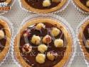 Praline tartlet with hazelnuts